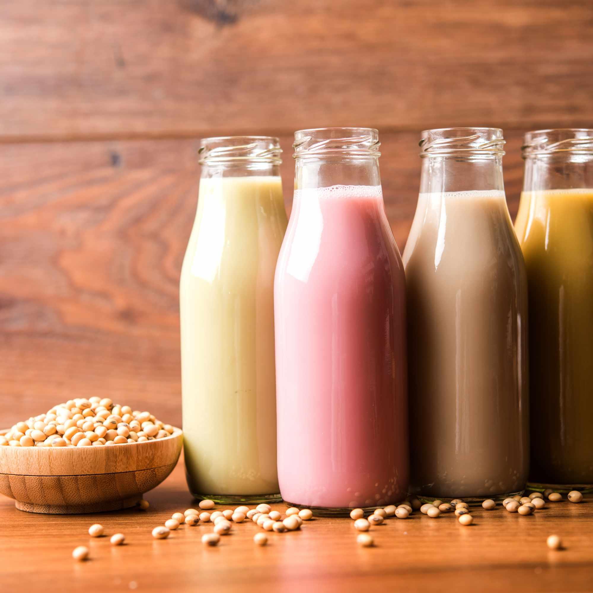 soy-milk-XGPDCZC.jpg